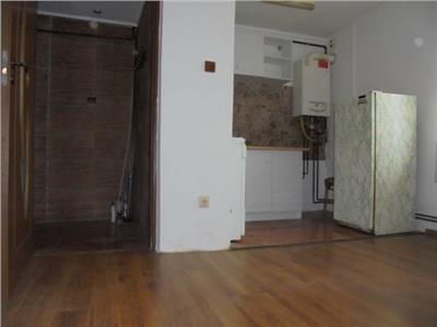 Pret mic! Vanzare apartament cu 2 camere in Targoviste-micro 9