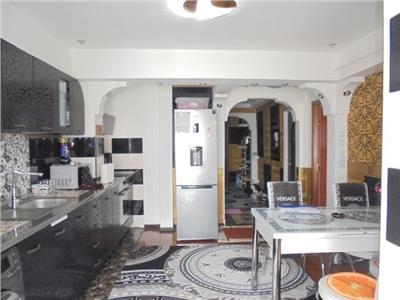 Etaj bun!Vanzare apartament cu 3 camere in Targoiste-M11
