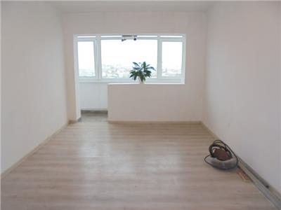 Luminos si spatios! Vanzare apartament cu 3 camere in Targoviste-micro 6