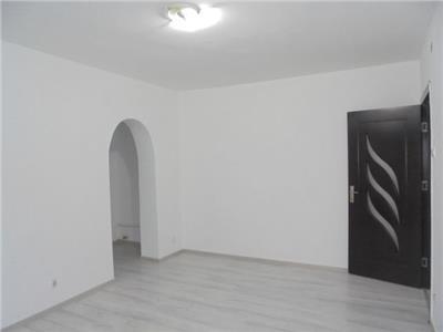 Luminos!! Vanzare apartament cu 2 camere in Targoviste-micro 9