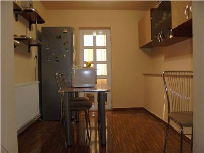 ETAJ 2!Vanzare apartament cu 2 camere in Targoviste-Central
