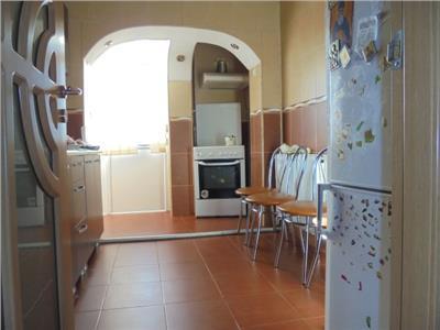 Luminos! Vanzare apartament cu 3 camere in Targoviste-micro 4