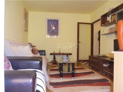 Zona linistita! Vanzare apartament cu 2 camere in Targoviste- micro 8