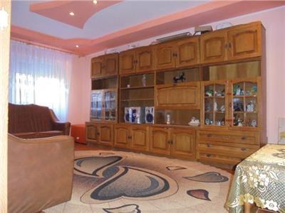 Spatios! Inchiriere apartament cu 3 camere in Targoviste - micro 12