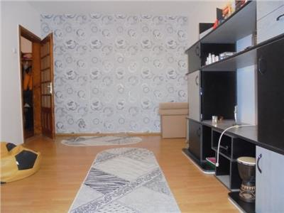 BUCATARIE SPATIOASA! Vanzare apartament cu 3 camere in Targoviste-micro 12