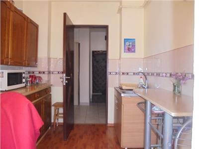 PRET BUN! Vanzare apartament cu 2 camere in Targoviste - micro 12