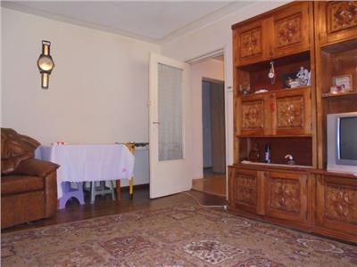 Zona buna! Vanzare apartament cu 4 camere in Targoviste micro 2