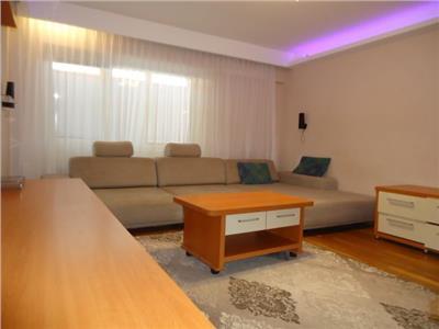 ULTRACENTRAL! Inchiriere apartament cu 3 camere in Targoviste