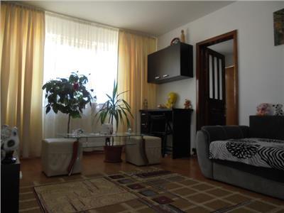 Luminos! Vanzare apartament cu 2 camere Targoviste micro 6.