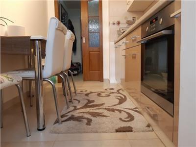 Oportunitate! Vanzare apartament cu 3 camere in Targoviste micro 6!