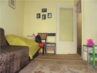 Zona buna! Vanzare apartament cu 2 camere in Targoviste micro 12.