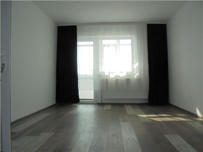 Vand apartament  confortabil in Targoviste, micro 4 la un pret exceptional!