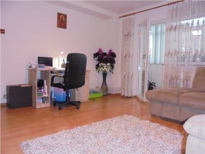 Spatios! Vanzare apartament cu 3 camere in Targoviste micro 6.