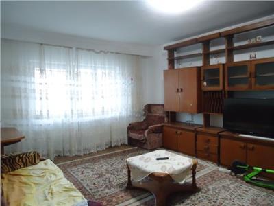 Decomandat! Vanzare apartament cu 3 camere in Targoviste - zona RAGC