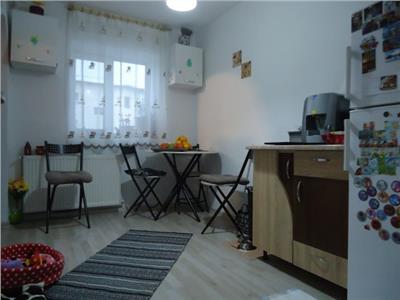 Ideal pentru investitie! Vanzare apartament cu 3 camere in Targoviste - micro 9