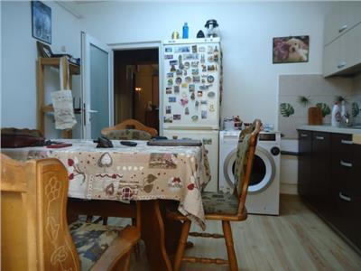 Vanzare apartament 3 camere, decomandat, etaj 1 in Targoviste - M11