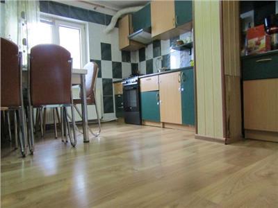 Parter! Vanzare apartament cu 4 camere in Targoviste micro 3!