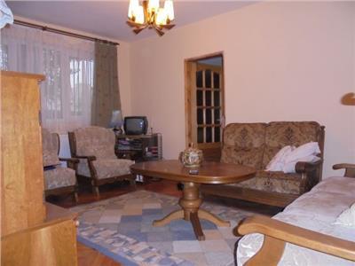 Aproape de Piata 1 Mai! Vanzare apartament cu 2 camere in Targoviste-M9