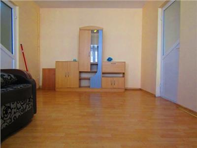 Pavcom! Inchiriere apartament cu 2 camere in Targoviste - zona micro 6.