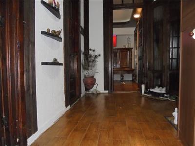 Rustic! Vanzare apartament cu 2 camere in Targoviste-M12